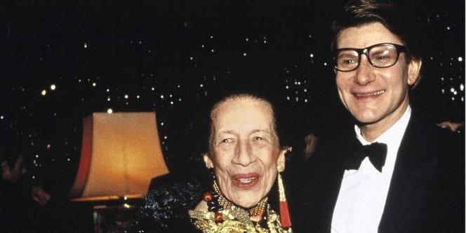 En 1982, avec Yves Saint-Laurent qui fête ses vingt ans de couture, au Lido, à Paris.