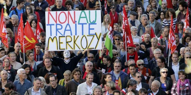 Manifestation contre le traité budgétaire européen, le 30 septembre à Paris.