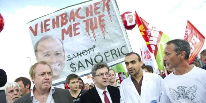 Lobbying, éclats de voix : gouvernement et direction s'affrontent depuis trois mois sur les suppressions d'emplois - ici, manifestation des salariés de Sanofi, le 27 septembre 2012, à Toulouse.
