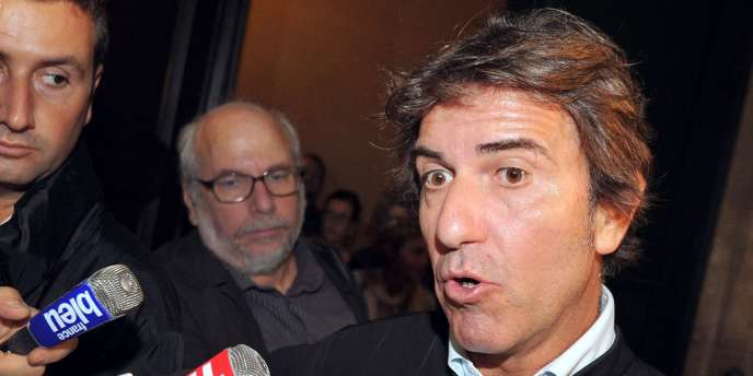 Alexandre Novion, l'avocat de Thierry Tilly, répond aux questions des journalistes, le 24 septembre 2012 au Palais de justice à Bordeaux.