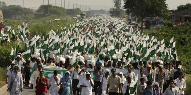 Environ 35 000 personnes étaient à Gwalior au départ de la marche, mercredi 3 octobre, selon l'organisation Ekta Parishad.