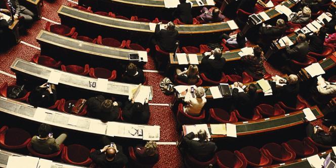 En moyenne, un sénateur touche 4382 euros de pension.