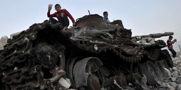 Les troupes syriennes ont bombardé lundi 8 octobre des bastions rebelles à Alep, deuxième ville de Syrie, ainsi que la ville de Karak al-Charq.
