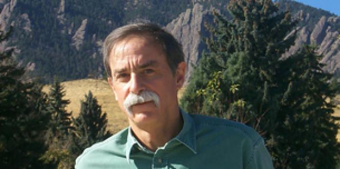 David J. Wineland fait partie d'une équipe de scientifiques qui ont les premiers isolé un électron en 1973.