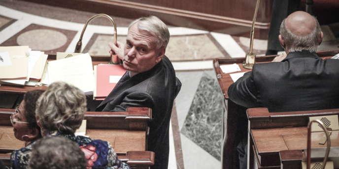 Le premier ministre, Jean-Marc Ayrault, lors des questions au gouvernement à l'Assemblée nationale, mardi 9 octobre.
