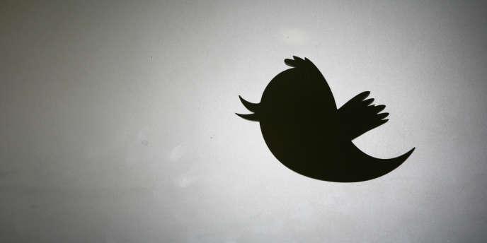 Twitter a usé pour la première fois de son droit à bloquer des contenus, en bloquant un compte néonazi en Allemagne.