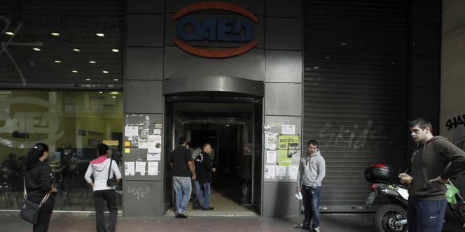 En Grèce, le taux de chômage atteignait 25,1% en juillet 2012. Un an avant il s'élevait à 17,8 %.