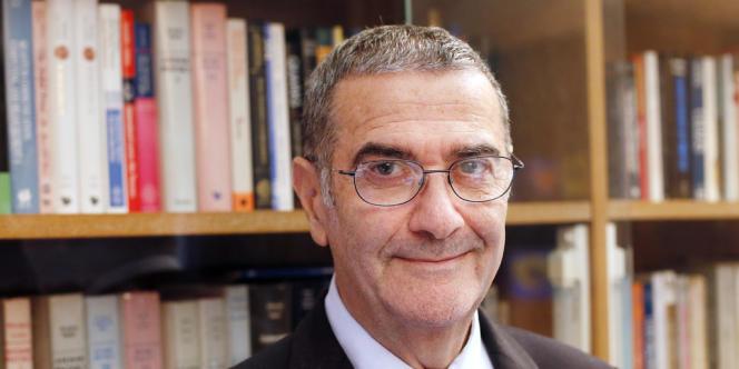 Serge Haroche, le 9 octobre 2012, après s'être vu remettre le prix Nobel de physique.