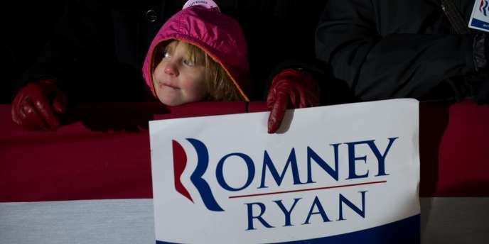 Les femmes, qui représentent 53 % du corps électoral, avaient choisi pour 56 % d'entre elles M. Obama en 2008.