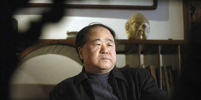 Mo Yan, en décembre 2005, à son domicile de Pékin.