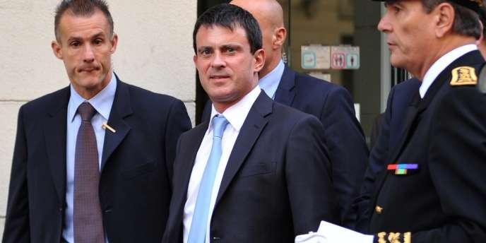 Le ministre de l'intérieur, Manuel Valls, à Marseille, le 12 octobre.