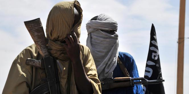 Des islamistes patrouillent à Gao, la grande ville du nord du Mali, en juillet.