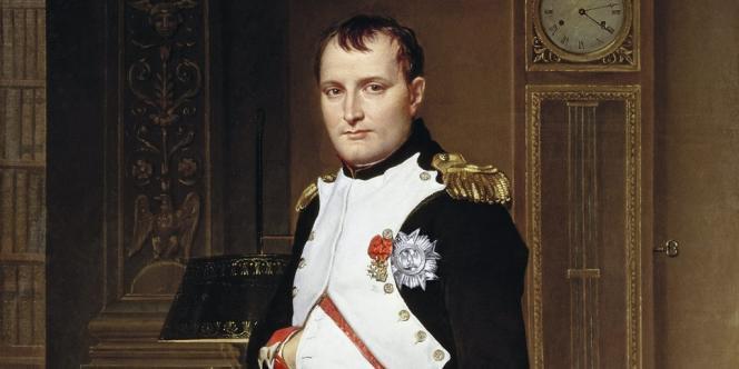 Avec sa tenue de colonel des grenadiers à pied de la garde impériale, Napoléon Bonaparte (ici peint par David en 1812) a lancé  la mode du port de l'uniforme dans toute l'Europe.