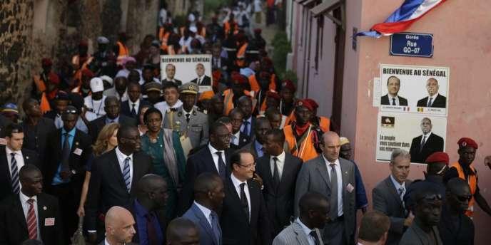 Le président François Hollande, lors de sa visite sur l'île de Gorée, au large de Dakar, le 12 octobre.