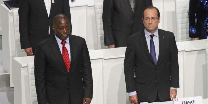 François Hollande et le président congolais Joseph Kabila au sommet de la francophonie, samedi 13 octobre.