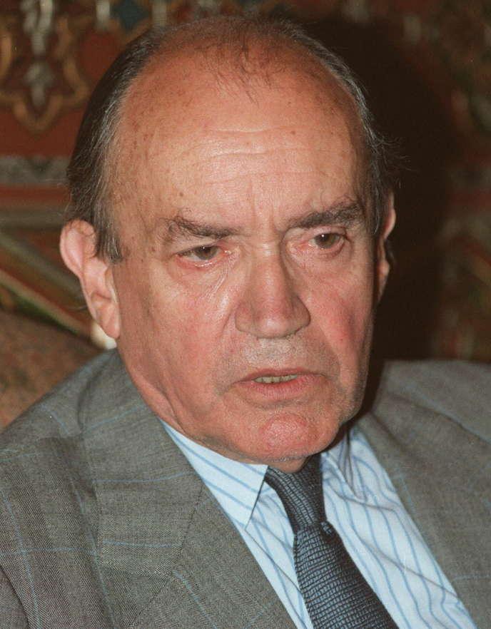 François Mitterrand dit de lui en 1985, en lui remettant la Légion d'honneur, qu'