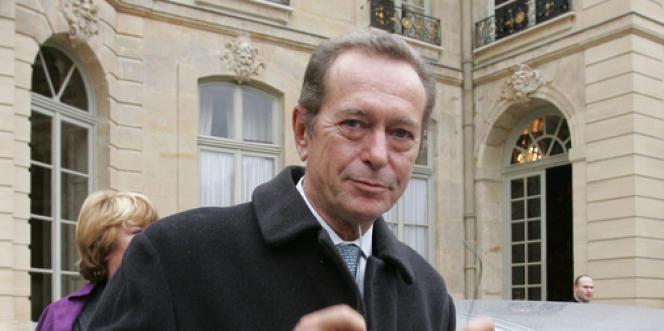 Le Défenseur des droits, Dominique Baudis, a adressé, vendredi 19 avril, ses recommandations au gouvernement. Ce document fait suite à un déplacement de M. Baudis à Mayotte, en novembre 2012.