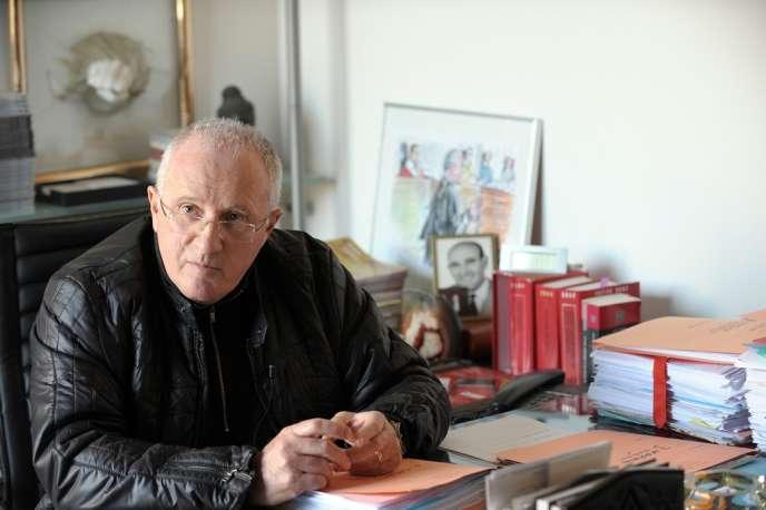 L'avocat Antoine Sollacaro dans son bureau, le 13 janvier 2010 , à Ajaccio.