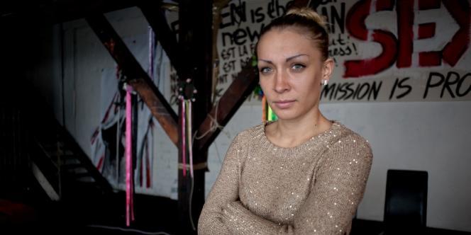 Inna Chevtchenko, dans les locaux du mouvement Femen à Paris, le 14 octobre.