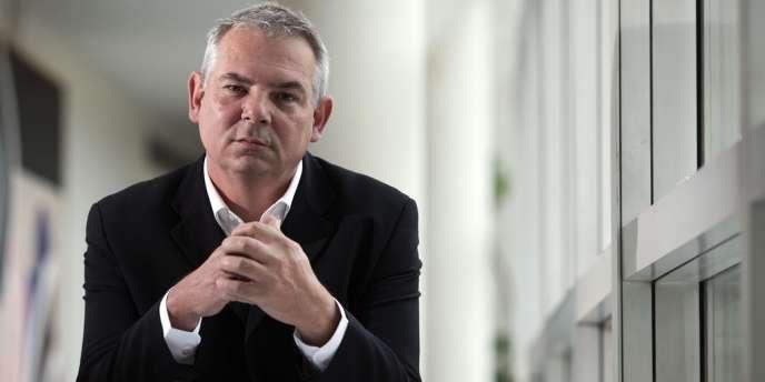 Thierry Lepaon, 52 ans, prend la succession de Bernard Thibault.