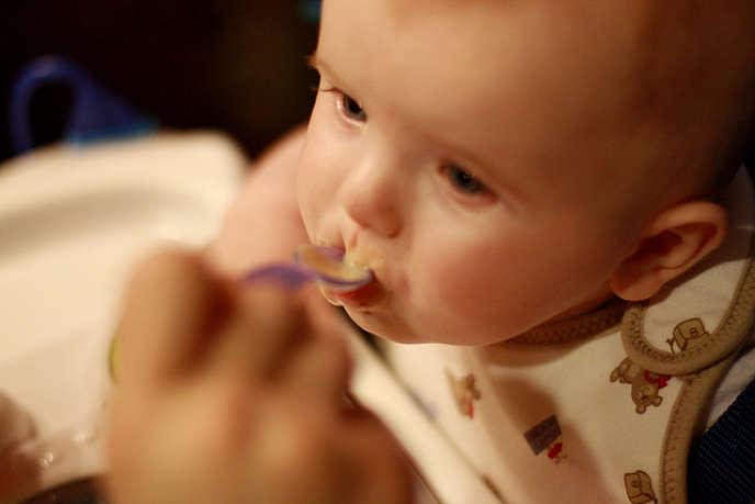 Il est important de varier très tôt l'alimentation de bébé.
