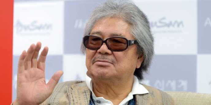 Producteur du sulfureux Empire des sens de Nagisa Oshima en 1976, Wakamatsu venait d'être distingué lors de la 17e édition du Festival international du film de Busan (BIFF), en Corée du Sud, en remportant le prix du réalisateur asiatique de l'année.