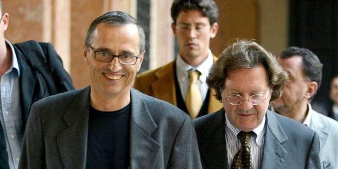 Michele Ferrari et l'avocat Dario Bolognesi (à droite), le 1er octobre 2004 à Bologne.