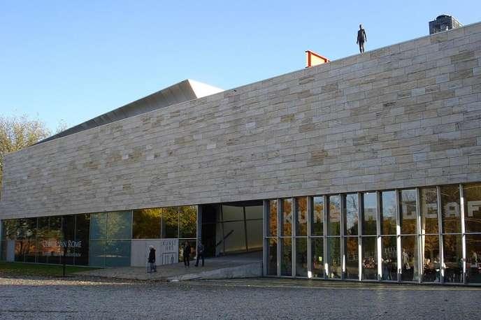 Le bâtiment du Kunsthal à Rotterdam : les oeuvres volées étaient visibles depuis l'extérieur.