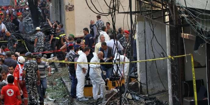 Sur le site de l'attentat contre Wissam Al-Hassan, haut responsable sunnite proche de la famille Hariri.