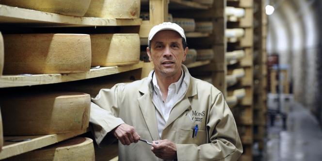 Le fromager Hervé Mons a transformé un tunnel désaffecté en une cave d'affinage.