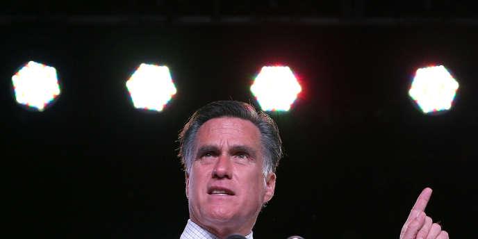 A treize jours de l'élection, les sondages sont toujours aussi serrés entre Barack Obama et Mitt Romney, qui multiplient les meetings dans les Etats-clés.