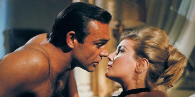 Sean Connery dans le rôle de James Bond dans