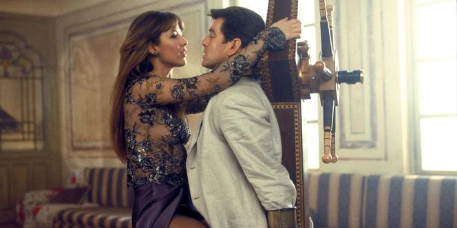 Sophie Marceau et Pierce Brosnan en James Bond dans