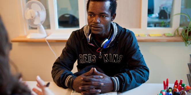 Karim, 28 ans, a fui la Guinée par qu'il avait