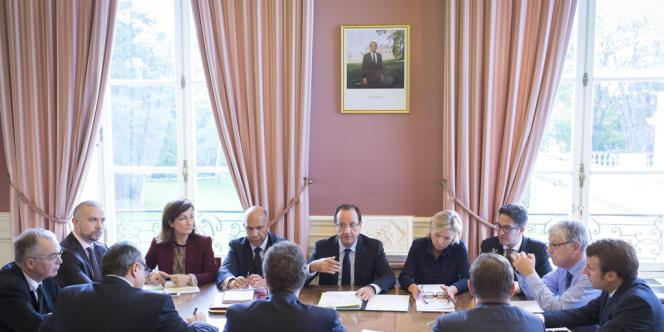 La réunion hebdomadaire du lundi au Palais de l'Elysée à Paris, lundi 22 octobre 2012.