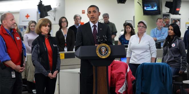 Barack Obama au quartier général de la Croix-Rouge à Washington, mardi 30 octobre.