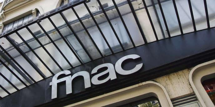 La FNAC a rouvert son magasin d'Aubervilliers, ce samedi 24 novembre, avec une nouvelle équipe, la précédente ayant été transférée dans d'autres magasins.