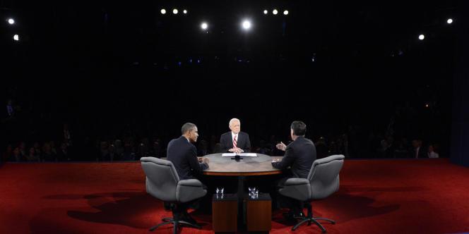 Barack Obama et Mitt Romney, lors du débat du 22 octobre 2012.