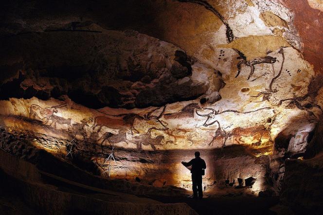 Une vue de la grotte de Lascaux.