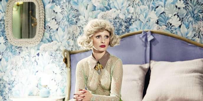 Extrait de  Hors d'oeuvre,  le court réalisé  par la photographe de mode Monica Menez pour Goldknopf Couture.