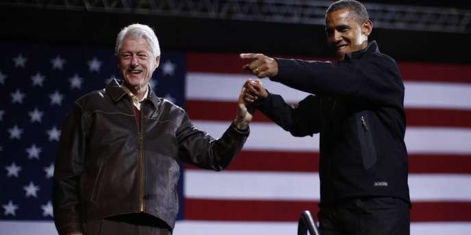 Bill Clinton, très présent tout au long de la campagne, était encore en Virginie samedi 3 novembre, cette fois avec Barack Obama, devant 20 000 personnes.