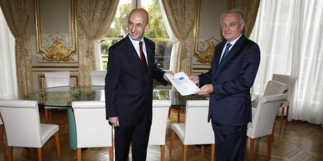 Louis Gallois et Jean-Marc Ayrault, le lundi 5 novembre, à Matignon.
