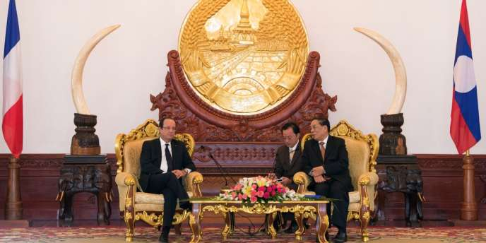 Le président François Hollande, ici lors d'un entretien bilatéral avec le président du Laos Choummaly Sayasone, effectue avec ce sommet son premier voyage en Asie depuis son élection.