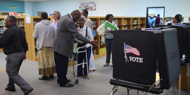 Dans un bureau de vote de Floride, le 1er novembre.