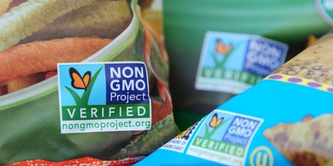 Des produits certifiés sans OGM, à Los Angeles, le 19 octobre. L'adoption de la proposition 37 ferait de la Californie le premier Etat à rendre l'étiquetage des produits OGM obligatoire.