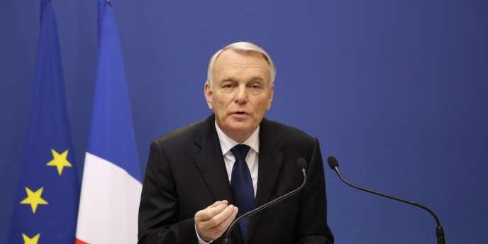 Le premier ministre, Jean- Marc Ayrault, doit encore préciser la source du financement. On évoque l'utilisation de crédits européens encore disponibles, de fonds du Livret A et de la Caisse des dépôts et la cession de participations