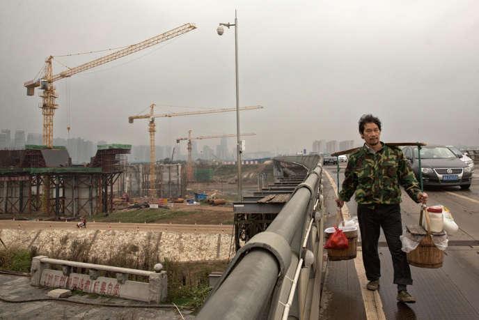 Sur le chantier de reconstruction d'un pont de Changsha, dans la province de Hunan.
