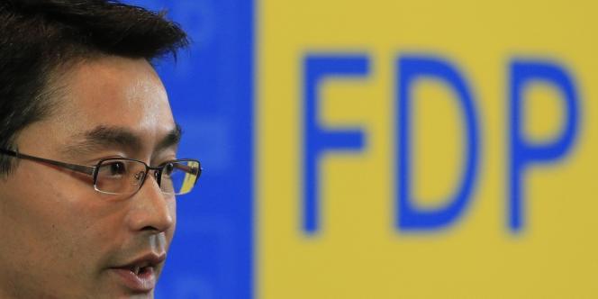 Philipp Roesler, chef des libéraux du FDP. Son parti a obtenu la suppression, à partir du 1er janvier 2013, du forfait trimestriel de 10 euros que les assurés allemands paient depuis 2004 lorsqu'ils se rendent chez le médecin ou le dentiste.