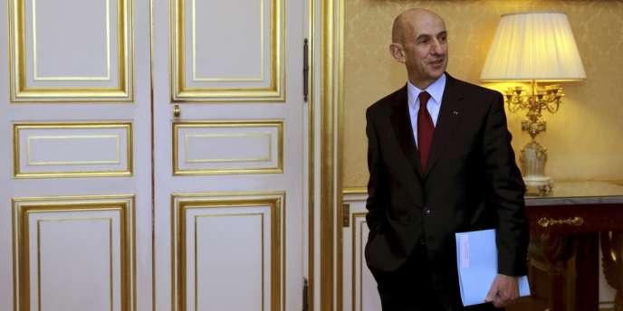 Louis Gallois, à Matignon, lundi 5 novembre pour la remise de son rapport à Jean-Marc Ayrault.