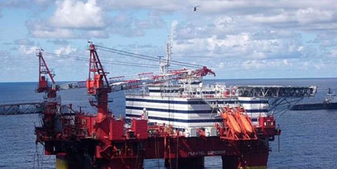La Commission européenne a procédé mardi à des inspections surprise dans plusieurs entreprises présentes dans le secteur des services pétroliers et des biocarburants, dont le Norvégien Statoil, qu'elle soupçonne d'entente.